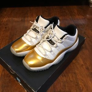 Air Jordan Retro 'Metallic Gold' 11s